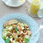 Mất 3 phút để làm món salad táo thanh ngọt giảm cân